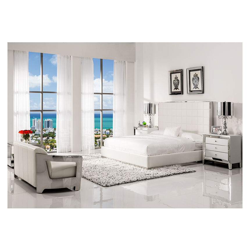 Amia White Mirrored Cabinet El Dorado Furniture